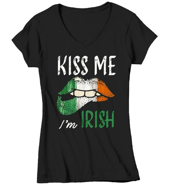Women's Kiss Me I'm Irish T-Shirt DV01
